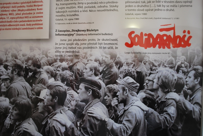 a history of the solidarity movement in poland Solidarity: solidarity, polish trade union that in the early 1980s became the first independent labour union in a on december 13, 1981, jaruzelski imposed martial law in poland in a bid to crush the solidarity movement solidarity was declared illegal, and its leaders spotlight / history.