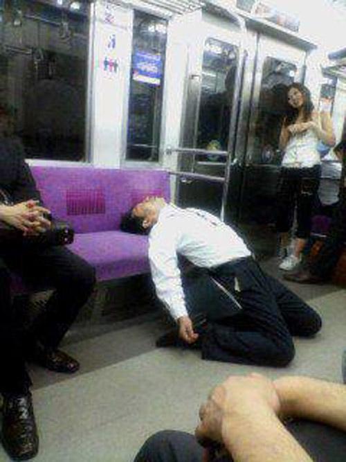 Salaryman_Sleep_2
