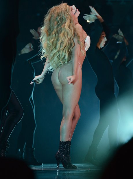 lady-gaga-mtv-vmas-20131-1377504786-view-1
