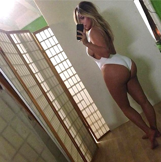 Kim-Kardashian-booty-2014